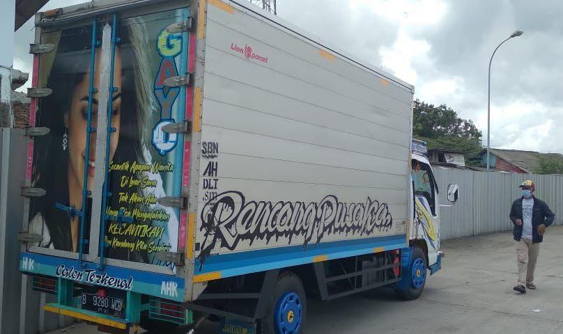 Rental Sewa mobil truck seluruh area di Indonesia